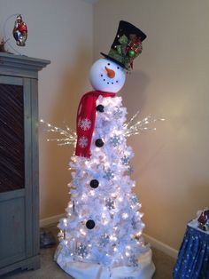 snowman tree christmas tree topiary christmas tree ideas creative christmas trees white christmas