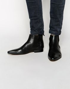 Discover our men's shoes with ASOS. Our range of men's footwear include trendy loafers, casual shoes, trainers and other styles. Order today at ASOS. Mod Shoes, Men's Shoes, Shoe Boots, Casual Shoes, Men Casual, Winter 2017, Fall Winter, Chelsea Boots, Fashion Online
