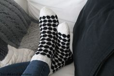 Marimekko, Slippers, Socks, Sewing, Knitting, Crochet, How To Make, Diys, Stitching