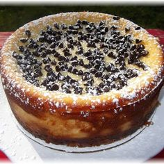 a recipe save & share :D Cannoli Cheesecake! by Rosie's Country Baking My family loves Italian Cannoli and ltalian Cheesecake, whats better than combining these two desserts into one? Cannoli Cheesecake Recipe, Cannoli Cake, Cheesecake Recipes, Italian Cheesecake, Holy Cannoli, Ricotta Cheesecake, Ricotta Cake, Cheesecake Cupcakes, Coconut Cupcakes