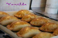 Vanilda: Káposztás pirog Empanadas, Pretzel Bites, Meat Recipes, Grilling, Bakery, Food And Drink, Favorite Recipes, Bread, Meals