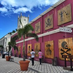 Y'arr going to love the Nassau Pirates Museum!  Photo by @luxeadventuretrvlr