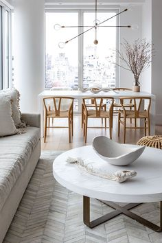 ideas apartment nyc decor upper east side for 2019 Apartment Interior Design, Interior Design Kitchen, City Apartment Decor, Interior Design New York, Upper East Side Apartment, Apartamento New York, Nyc Decor, Home Decor, Homemade Home Decor