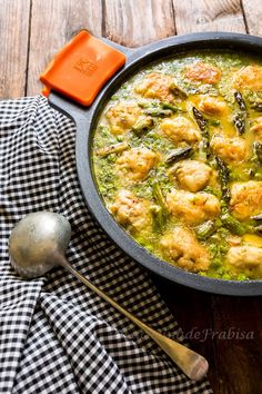 Albóndigas de merluza fresca en salsa verde. Guiso a la antigua. - La Cocina de Frabisa La Cocina de Frabisa