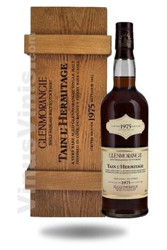 Whisky Glenmorangie Tain L'Hermitage 1975 - the incredible floating whisky! Whiskey Or Whisky, Good Whiskey, Single Malt Whisky, Scotch Whiskey, Glenmorangie Distillery, Alcohol Bottles, Drink Bottles, Rum, Spirit Drink