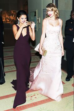 Met Gala 2014 Taylor Swift with Selena Gomez. Selena Gomez, Selena And Taylor, Taylor Alison Swift, Marie Gomez, Taylors, Bffs, My Idol, Beautiful People, Beautiful Women