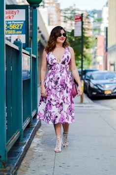 Vestido estampa floral.  #nyc #streetstyle #iorane #midi #dress #floral #fashionblogger