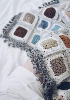 CROCHET BLACNKET NANA SQUARE 아~ 여름내내 작업했던 변형그레이스퀘어로 많이... Crochet Blocks, Crochet Blanket Patterns, Crochet Blankets, Square Blanket, Diy And Crafts, Winter Hats, Knitting, Pretty, Knits