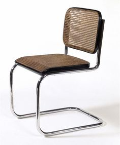 Marcel Breuer, Cadeira modelo No. B32, 1928/31. Material: estrutura de aço tubular cromado, assento e costas em palhinha.
