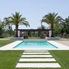 Modern villa design with swimming pool using modern house exterior view with swimming pool designs prices and patio design options Farmhouse Landscaping, Farmhouse Garden, Modern Landscaping, Pool Landscaping, Modern Farmhouse, Modern Landscape Design, Landscape Plans, Desert Landscape, House Landscape
