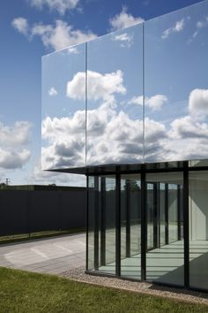 Architecture Healthcare West Limerick Children's Centre by SATA. The mirrored roof of this children's care centre by SATA reflects the surrounding treetops and west Ireland skies (+ slideshow). House Of Mirrors, Facade Architecture, Amazing Architecture, Landscape Architecture, Healthcare Architecture, Glass Facades, Facade Design, Glass House, Interior And Exterior