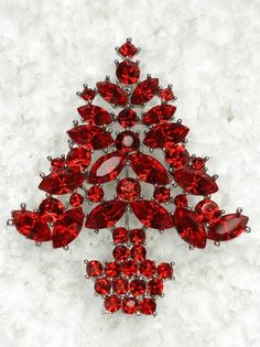tree Noel Christmas, Christmas Themes, Vintage Christmas, White Christmas, Jeweled Christmas Trees, Xmas Tree, Red Rhinestone, Rhinestones, Christmas Jewelry