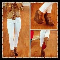 White skinnies + brown polka for top + brown wedges or sandals