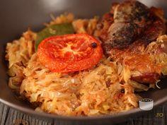 Varza calita cu carne Bread Recipes, Diet Recipes, Cooking Recipes, Healthy Recipes, Healthy Meals, Romanian Food, Romanian Recipes, Cabbage, Good Food