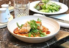 Small Boutique Hotels, Vienna Hotel, Thai Red Curry, Lunch, Chicken, Ethnic Recipes, Food, Eat Lunch, Essen