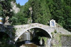 http://www.paesidivaltellina.it/galleria_campodolcino/lagoazzurro_053.jpg