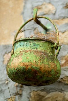 Old Copper Cauldron with Verdigris patina Penne, Rust Never Sleeps, Peeling Paint, Rusty Metal, Shabby Vintage, Rustic Charm, Wabi Sabi, Shades Of Green, Decay
