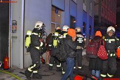 BF Wien: Brand Alarmstufe 2 #fire #firemen #feuerwehr #smoke #vienna #austria
