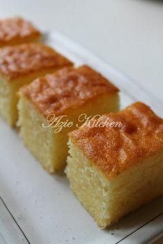 Tiba tiba terasa sangat teringin untuk menikmati sekeping kek. Bila hasrat ini disuarakan, Juita membawa balik sekeping kek Red...