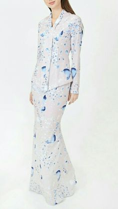 Kebaya Dress, Hijab Dress, Pastel Designs, Long Sleeve Gown, Muslim Dress, Floral Print Maxi Dress, Fashion Sewing, Fashion 2020, Traditional Outfits