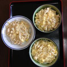始めて材料を買うところからお皿を洗うところまでやりました♪( ´▽`) 家族3人で食べました‼(^_^*) - 0件のもぐもぐ - 親子丼 by HALPEN