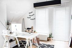 Jak Montować i Ile Kosztują Białe Drewniane Żaluzje? Office Desk, House, Furniture, Home Decor, Living Room, Desk Office, Decoration Home, Desk, Home