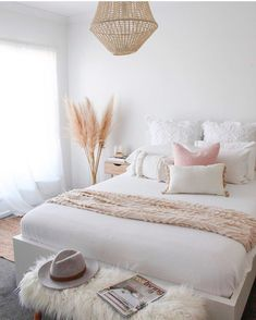 Floor Cushions Models and Living Room Decoration Designs – What Are They All About? Do you think the use of floor cushions models and living room decoration designs have vanished? Scandi Bedroom, Room Ideas Bedroom, Home Bedroom, Diy Bedroom Decor, Living Room Decor, Home Decor, Bedroom Inspo, Bed Room, Neutral Bedrooms