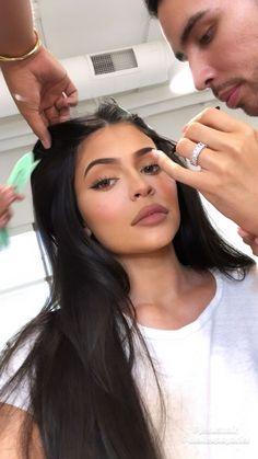 - Makeup Looks Classic Kylie Jenner Lipstick, Kim Kardashian Kylie Jenner, Jenner Hair, Kardashian Kollection, Kardashian Style, Kendall Jenner, Estilo Kylie Jenner, Kylie Jenner Look, Kylie Jenner Outfits
