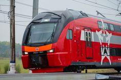 Новый двухэтажный «Аэроэкспресс» запустят в Москве 27 октября  Первый двухэтажный «Аэроэкспресс» официально запустят в Москве 27 октября. Он отправится с Киевского вокзала в аэропорт «Внуково». В сообщении указано, что новый состав запустят 27 октября текущего года. Швейцарская компания Stadler уже осуществила поставку «Аэроэкспрессу» 11 поездов общей стоимостью 183 миллиона евро. Отмечается, что торжественная отправка посвящена предстоящему ЧМ-2018. До конца текущего года также планируется