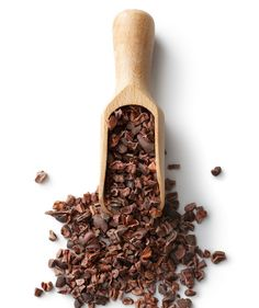raw chocolate from real cacao beans Calendula Benefits, Matcha Benefits, Coconut Health Benefits, Cocao Nibs, Cacao Recipes, Tomato Nutrition, Cacao Beans, Raw Chocolate, Chocolate Recipes