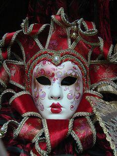 Mascara veneciana, en una tienda del centro de BARCELONA     Amazon has some great best-selling beauty products. Visit: http://amazonamazingblog.wordpress.com/2012/06/20/amazing-amazon-beauty-products-must-buy-2/