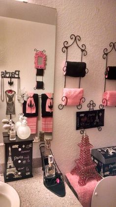 ideas to spruce up my paris themed bathroom decor bathroom rh pinterest com Paris Bathroom Decor Paris Inspired Bedrooms