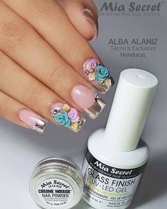 Hermoso diseño realizado con Polvo Chrome Mirror por Alba Alaniz, Técnica Exclusiva de #MiaSecretHonduras #MiaSecret  Beautiful nail set all the way from Honduras by Alba Alaniz, Mia Secret Exclusive Nail Tech. #naildesigns #nailart #nailpro #nails #uñasdecoradas #uñasacrilicas #nailsalon