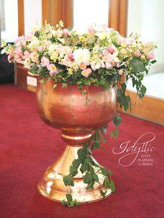 decor cristelnita botez | aranjament floral cristelnita lalele | organizare si design de eveniment Idyllic Events