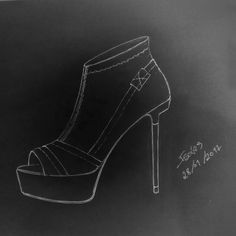 A quick hand draw. Desenho rápido feito à mão :) #drawnbyhand #sketch #shoedesign #fashiondesign #shoes #fashionshoes #stretchnappa #black #platform #shoes #boots #unkleboot #highheels