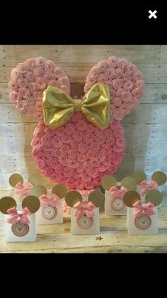 Minnie Mouse back drop ..... rosettes in foam cut out