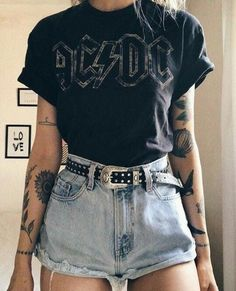 t shirt and tats – Tattoo Rock Outfits, Edgy Outfits, Cute Casual Outfits, Summer Outfits, Fashion Outfits, Soft Grunge Outfits, Grunge Fashion Soft, Fashion Boots, Style Indie