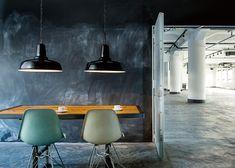 アートワークスタジオ製ペンダントライト Classic-enamel-pendant (M) BK Industrial Style Kitchen, Industrial Style Lighting, Industrial House, Cool Lighting, Interior Lighting, Garage, Wall Lights, Ceiling Lights, Home Interior Design
