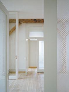 WABI SABI Scandinavia - patterned frosted glass doors