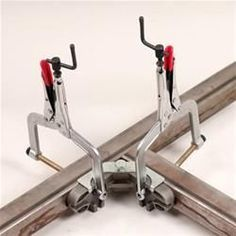 Welding Clamps and Jigs For 90 Degree Repeatable Joints Welding Classes, Welding Jobs, Welding Projects, Metal Projects, Diy Projects, Welding Ideas, Welding Table Diy, Welding Supplies, Welding Crafts
