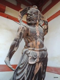 醍醐寺仁王門(西大門)の1134年造立の木造金剛力士立像(重文)