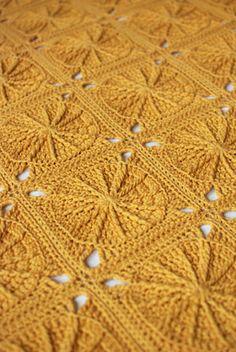 Transcendent Crochet a Solid Granny Square Ideas. Inconceivable Crochet a Solid Granny Square Ideas. Motifs Granny Square, Crochet Motifs, Crochet Blocks, Granny Square Crochet Pattern, Crochet Squares, Crochet Blanket Patterns, Crochet Stitches, Crochet Blankets, Granny Squares
