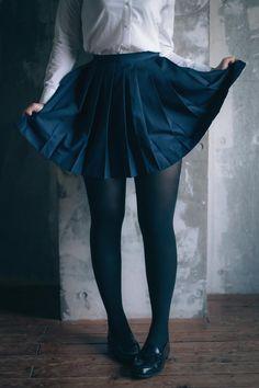 Uraraka Ochako Cosplay Photo by: Colored Tights Outfit, Black Tights, Pantyhose Outfits, Cute Skirt Outfits, Cute Skirts, Cute Tights, Schoolgirl Style, Silk Stockings, Leg Work