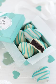 Valentine's recipe Oreo truffles. Tartufi con biscotti Oreo facilissimi con interno morbidissimo.