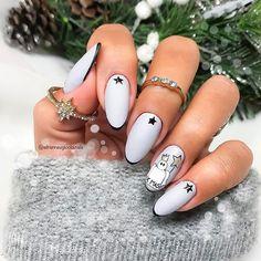 Super cute Abstract Angel Christmas nail art by Snowflake Nail Design, Snowflake Nails, Holiday Nail Designs, Holiday Nail Art, Christmas Gel Nails, Christmas Nail Art, Half Moon Manicure, Neutral Nail Polish, Angel Nails