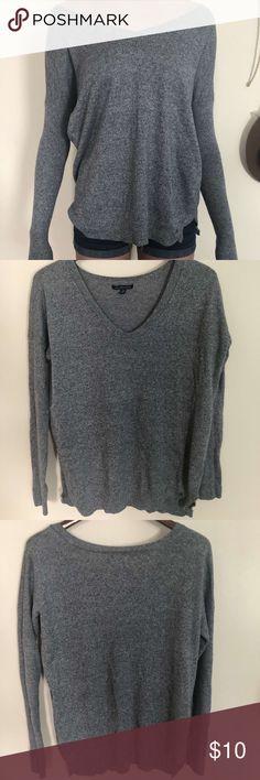 American Eagle grey sweater Grey stretchy sweater American Eagle Outfitters Sweaters