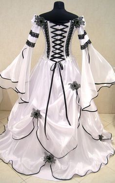 MEDIEVAL WEDDING DRESS GOTHIC HANDFASTING LARP WICCA LOTR WITCH PAGAN TUDOR ROBE | eBay