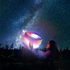 UNIQCUBE: Know Your Stars Lamp