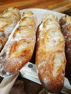 Miluji žito a netajím se tím. Cpu ho všude. Takže jak jinak se můžou jmenovat tyto bagety než Barunky? Obsahují totiž žitnou mouku... Keto Bread, Sourdough Bread, Bread Baking, Bread Dough Recipe, Bread And Pastries, Challah, Aesthetic Food, Food Hacks, Pavlova