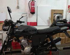Yamaha YBR project, new update!!!  Nova atualização no projeto Yamaha YBR!!! #gomezcustomworks  #gastank  #yamahaybr  #yamaha  #scrambler #caferacer #paintwork #custompaint